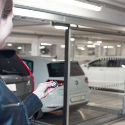 Il giardino segreto norvegese ha 44 posteggi auto Combilift